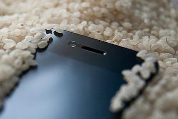 07-smartphone-wet-03-2