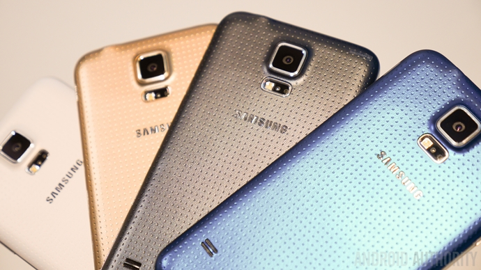 9199g-Galaxy-S5-hands-on-color-size-vs-all-1160807