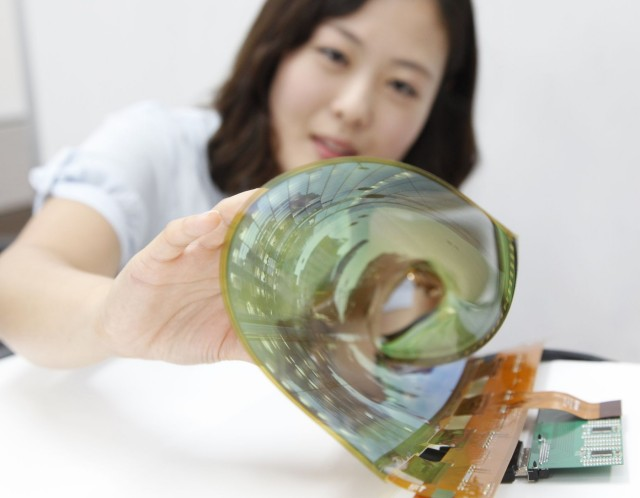 Flexible-Rollable-OLED_01-640x498