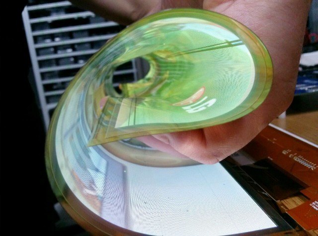 Flexible-Rollable-OLED_02-640x474