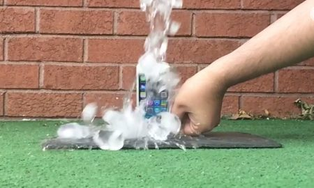 iPhone-5S-Ice-Bucket-Challenge-from-Samsung