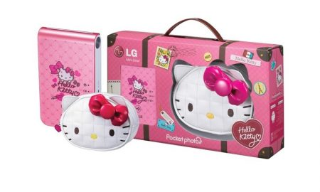 lg-pocket-photo-hello-kitty.jpg