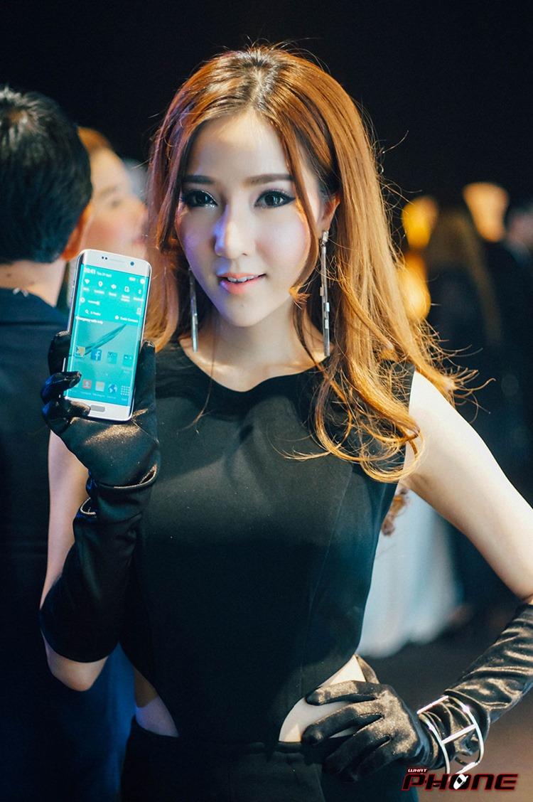 Samsung-S6-grand-opening--01