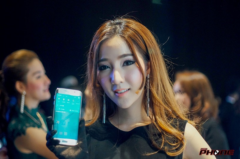 Samsung-S6-grand-opening--03