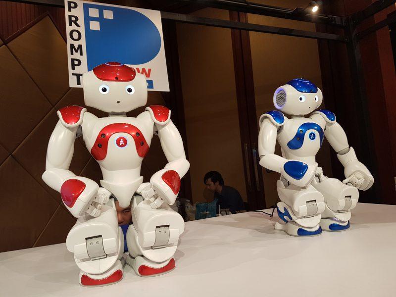 NAO หุ่นยนต์รูปแบบมนุษย์ที่พัฒนาให้เคลื่อนไหวและโต้ตอบกับผู้ใช้ได้