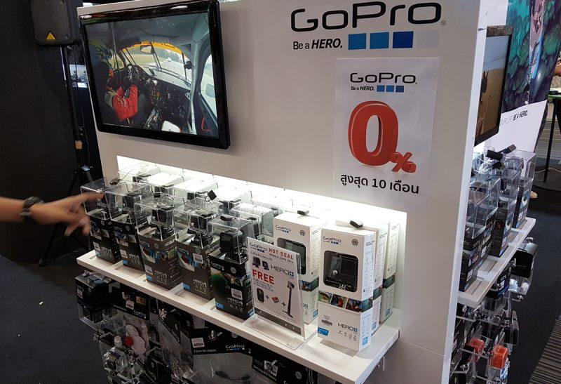กล้อง GoPro ที่บูธของ Mentagram มีโปรโมชั่นผ่อน 0% นาน 10 เดือน และอุปกรณ์เสริมครบเซตให้เลือกซื้อ