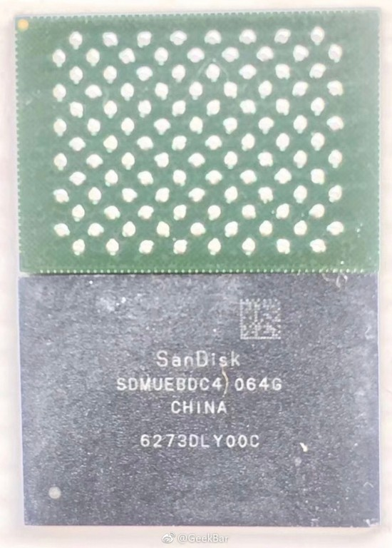 iPhone 8 Memory Chip