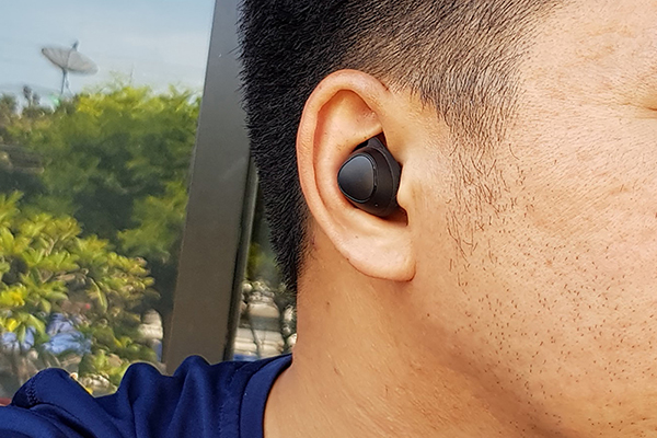 review Samsung Gear IconX (2018)
