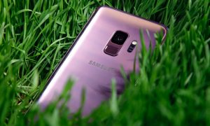 Samsung Galaxy S9 back-feat