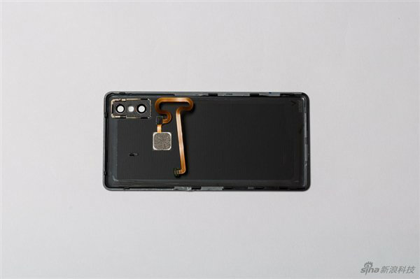 Xiaomi Mi MIX 2S Internal (4)