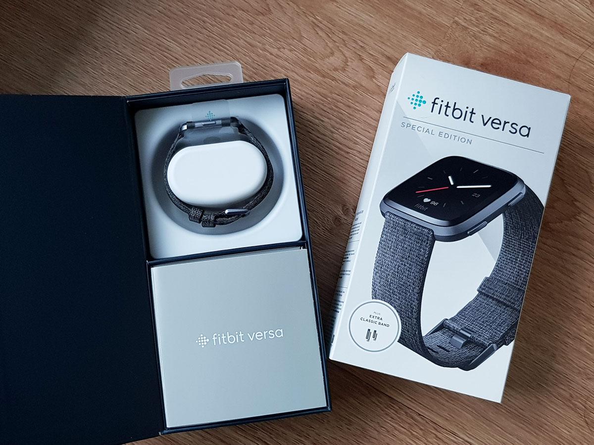 แกะกล่อง รีวิว Fitbit Versa สมาร์ทวอชฟิตเนสและเพื่อสุขภาพ น้ำหนักเบา ดีไซน์สวย