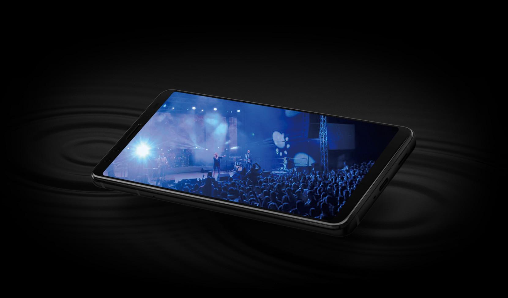 HTC U12+ (1)