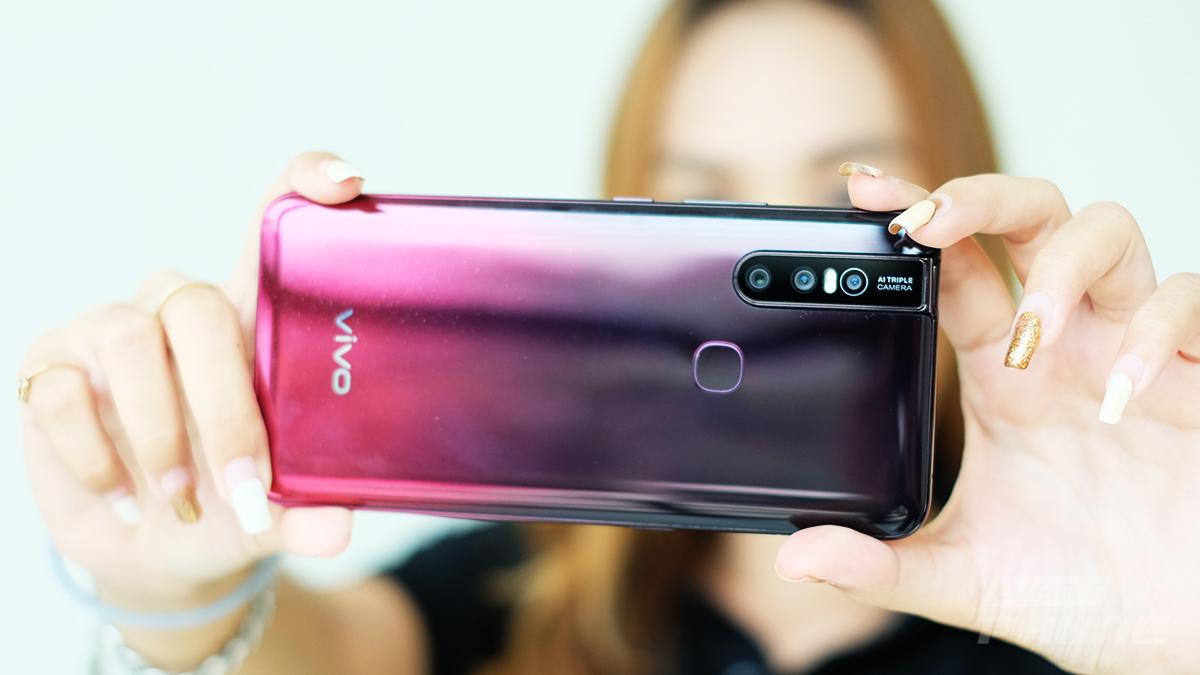 รีวิว vivo V15 สมาร์ทโฟนสุดสวย กล้องหน้าป๊อบอัพ 32 ล้านพิกเซล