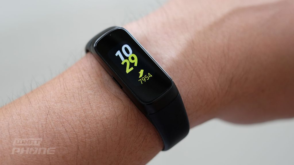 รีวิว Samsung Galaxy Fit สมาร์ทแบนด์จอสี วัดหัวใจ รองรับออกกำลังกายหลากหลาย