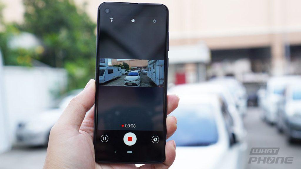 รีวิว motorola one action กล้องหลัง 3 ตัว ถ่ายวิดีโอนิ่งๆ ด้วยมือเดียว ราคาเพียง 6,990 บาท