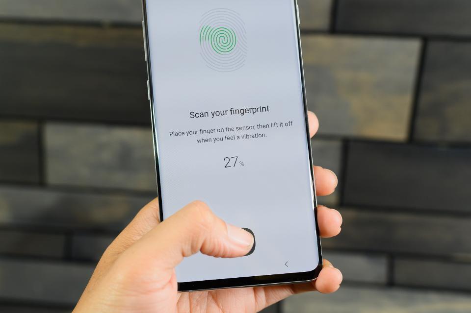 Ultrasonic Fingerprint Sensor Galaxy fold