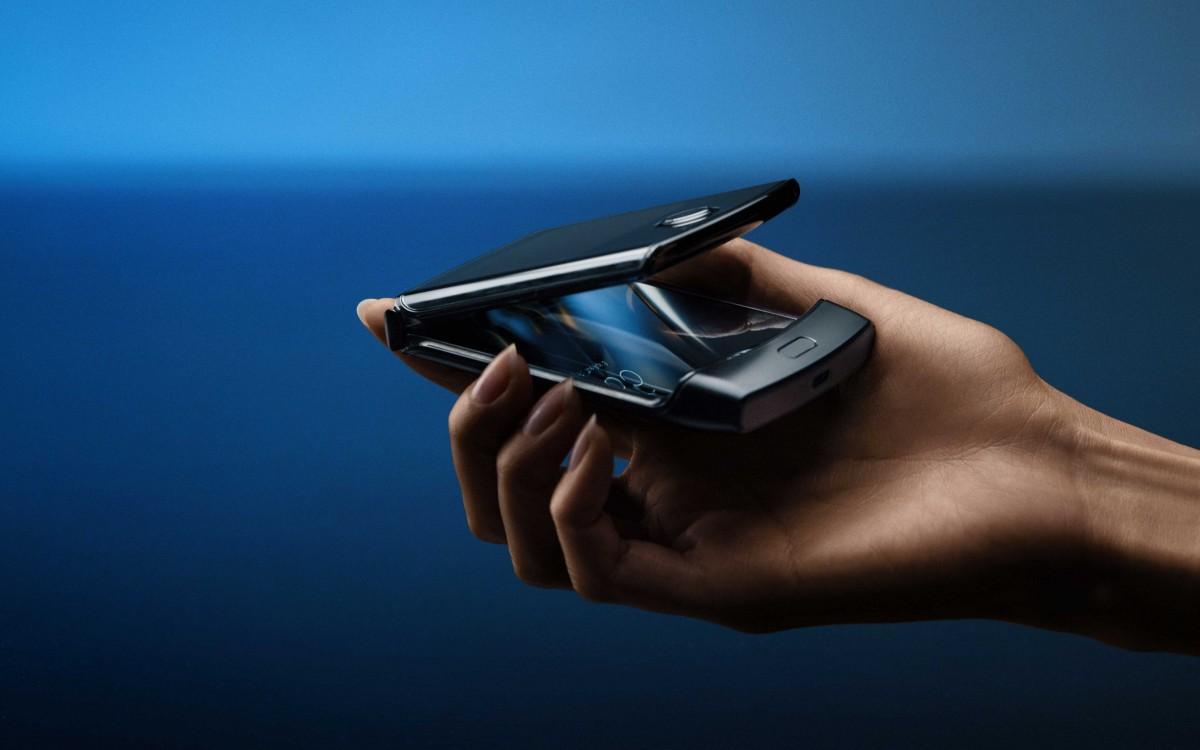 motorola RAZR (2019) สมาร์ทโฟน Android หน้าจอพับได้