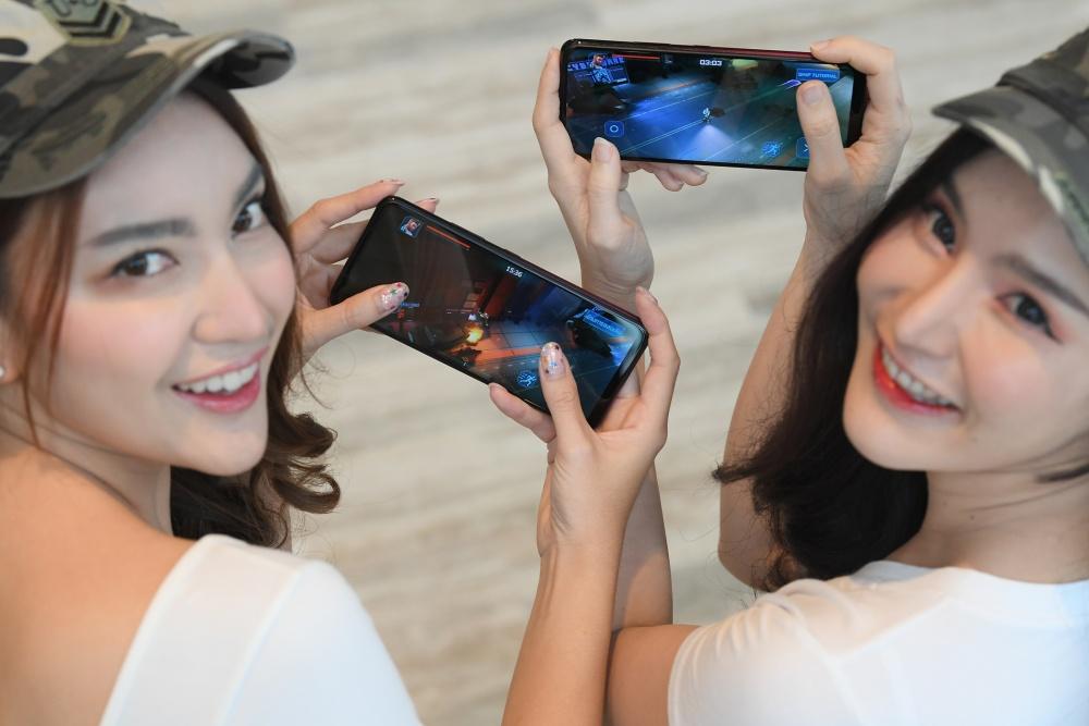 เปิดตัวซุปเปอร์สมาร์ตโฟนรุ่นใหม่ล่าสุด Infinix Hot 10 (3)