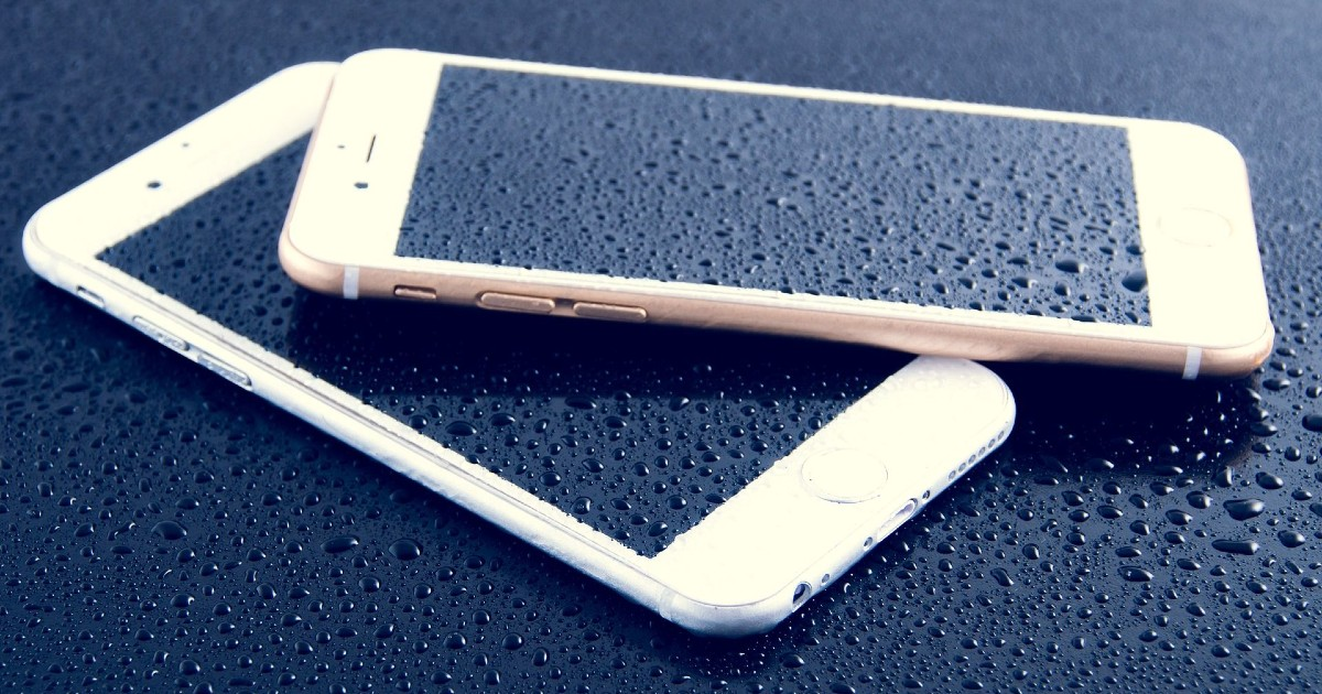 iPhone with water droplet Header