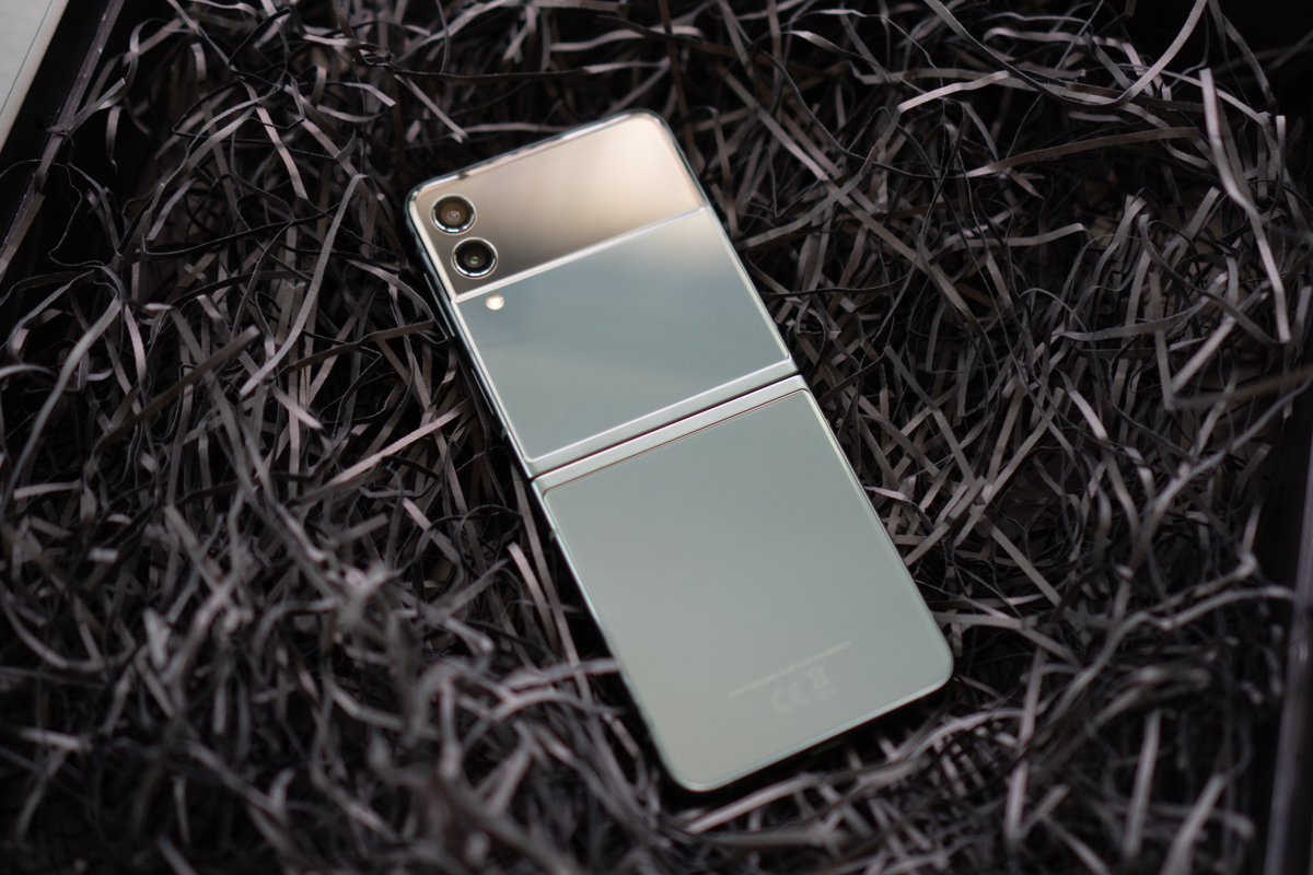 Samsung Galaxy Flip3-69