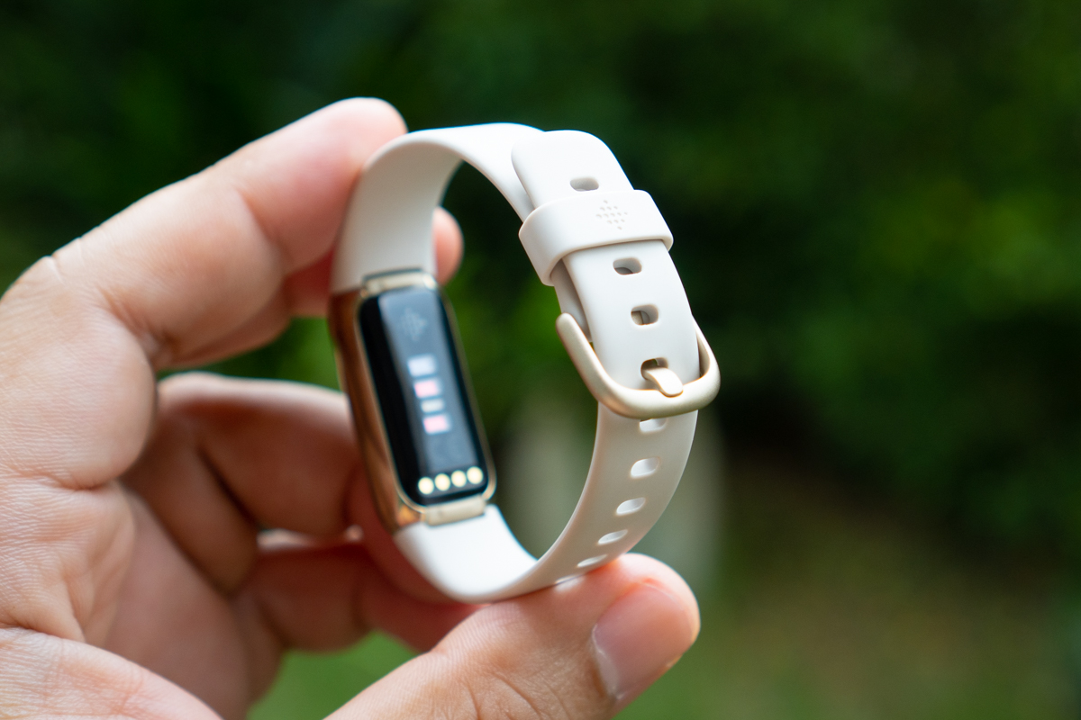 Fitbit Luxe-16