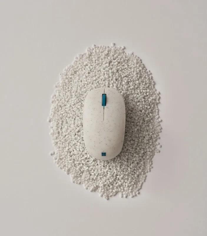Microsoft Ocean Plastic Mouse (1)