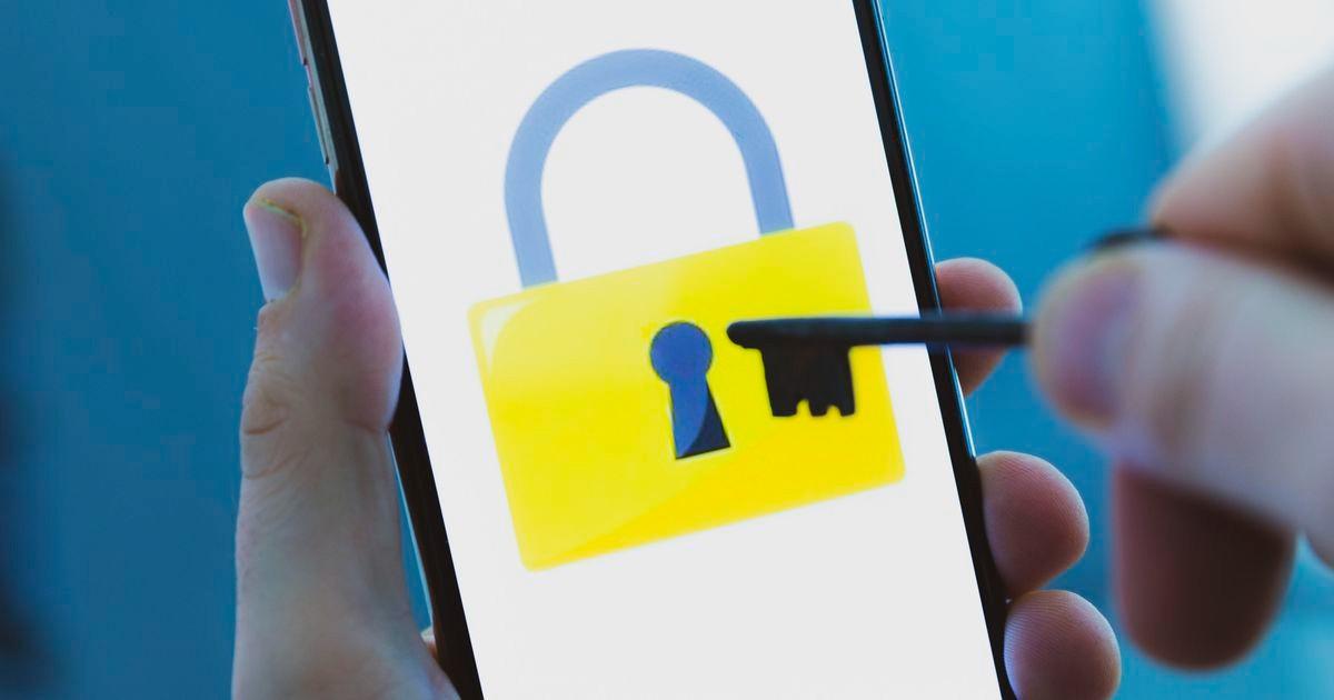 Phone privacy key