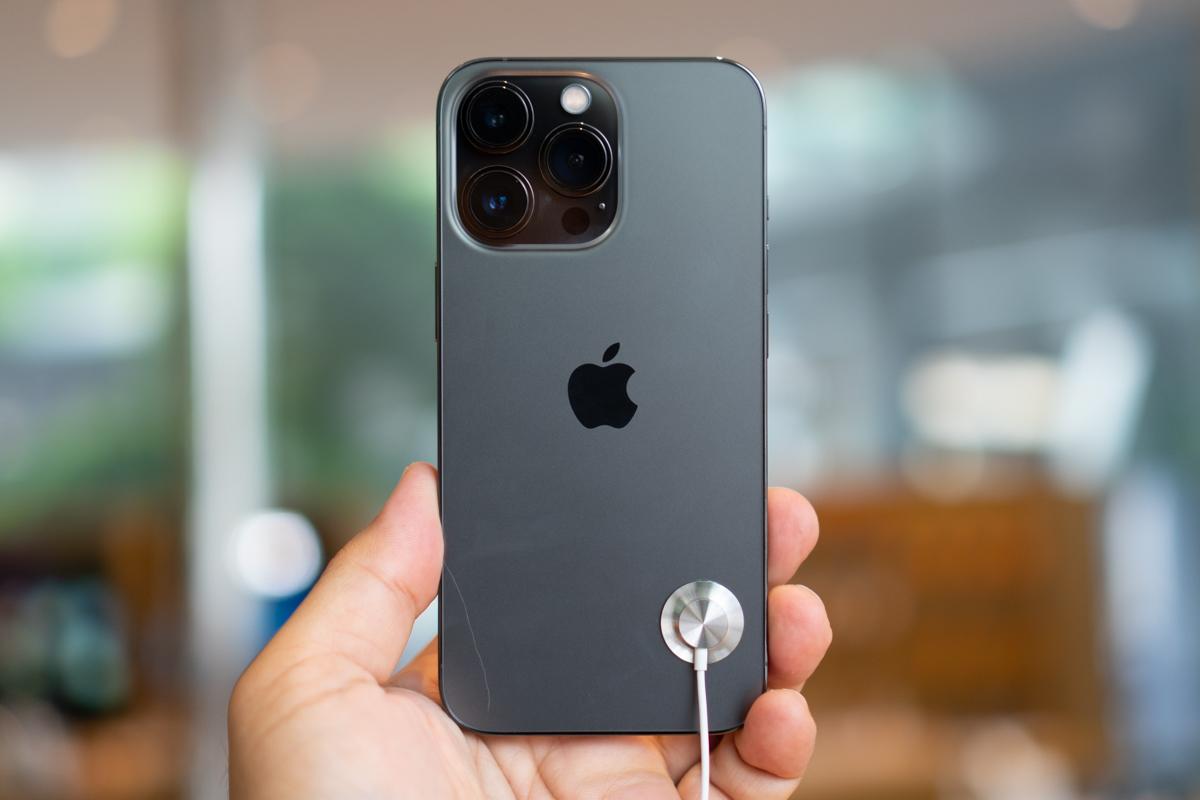 iPhone 13-19