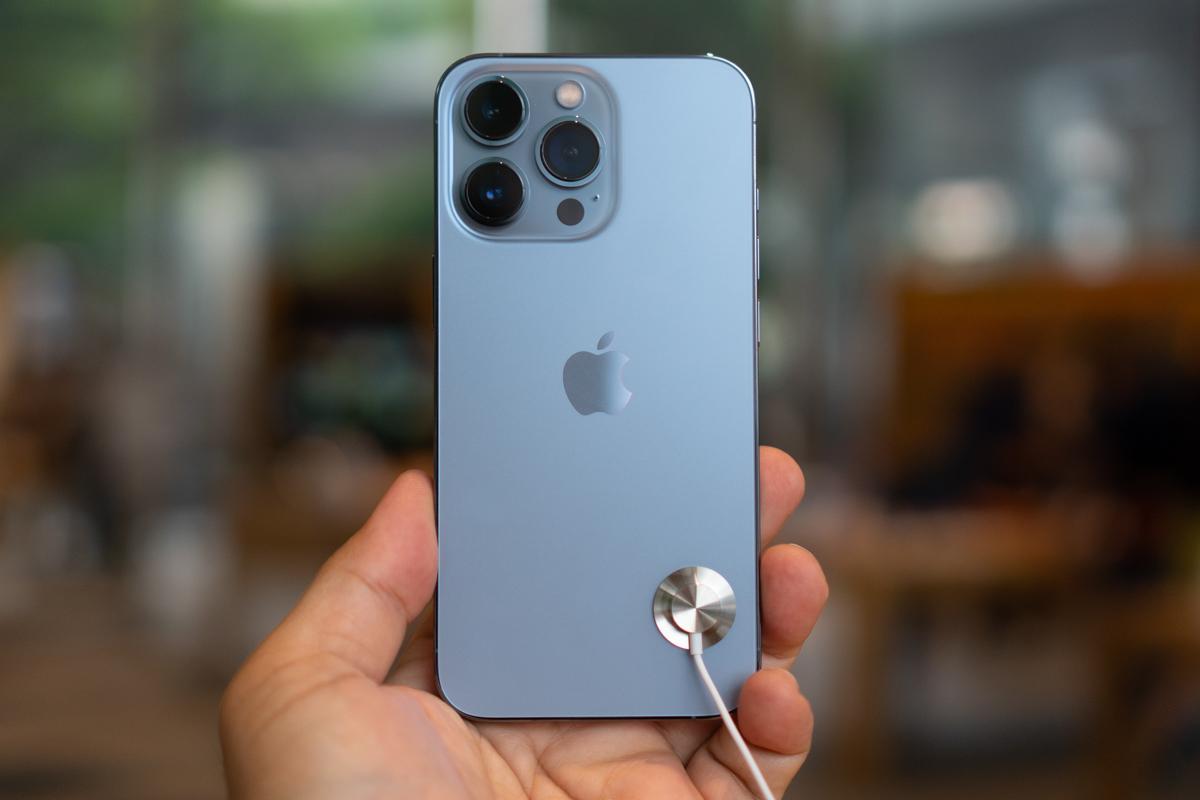 iPhone 13-26
