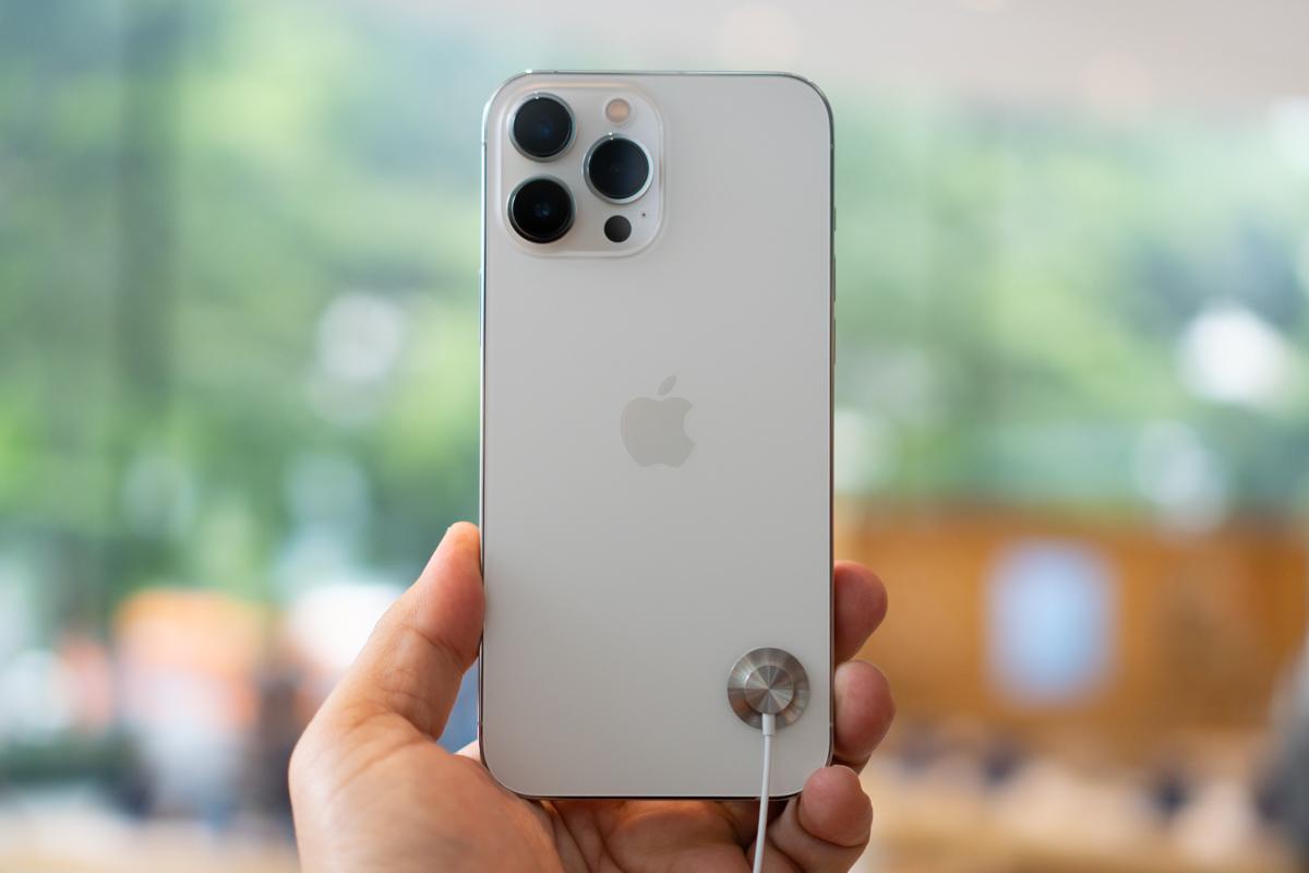 iPhone 13-47