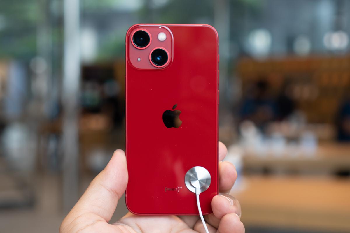 iPhone 13-8
